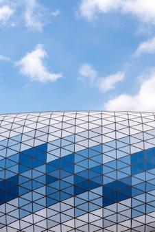 Moskau, russland, 09. märz 2019. nahaufnahme von dynamo-stadion in moskau. bau einer der wichtigsten sportanlagen der hauptstadt.