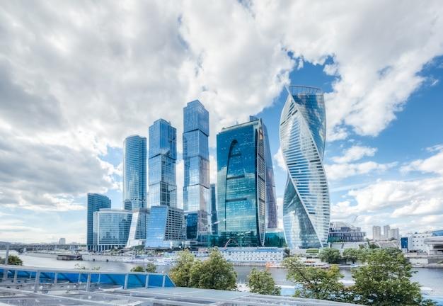Moskauer geschäftszentrum ein komplex von wolkenkratzern am moskauer fluss
