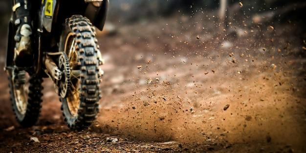 Motorrad abseits der straße