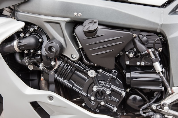 Motorteile einer rennmotorradnahaufnahme.