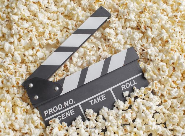 Movie clapper board aus popcorn