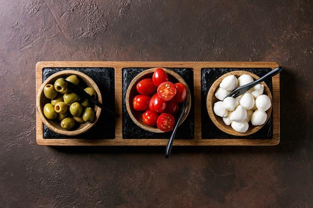 Mozzarella tomaten oliven antipasti