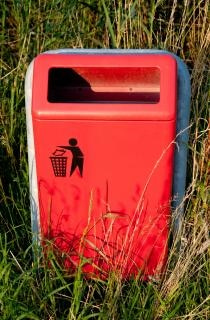 Mülleimer im park