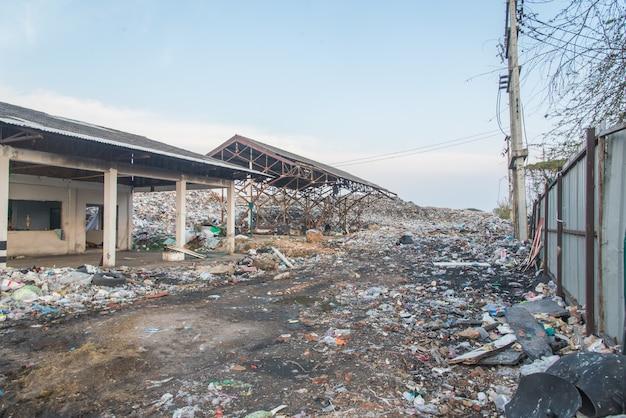 Müllgrube, müllgrubeabfall in roied-stadt thailand