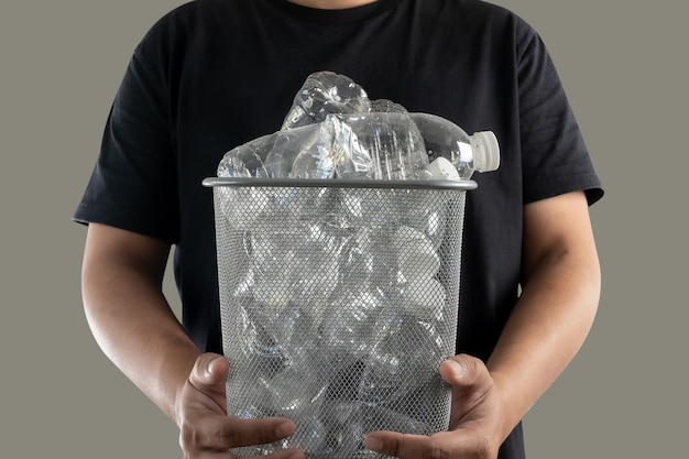 Müllplastik reinigen und aufheben