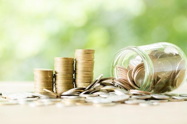 Münze auf holztisch