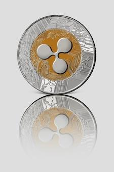 Münzwelle auf weiß glänzender oberfläche. konzeptionelles bild für weltweite kryptowährung und digitales zahlungssystem.
