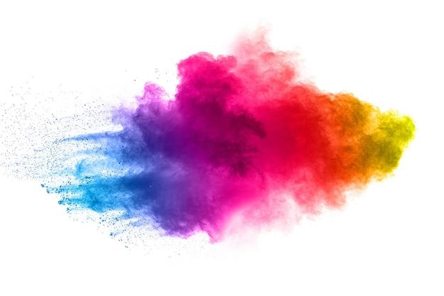 Multi farbpulver explosion auf weißem hintergrund.