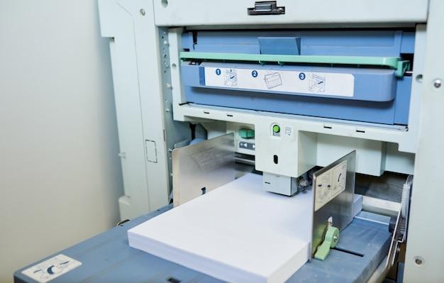 Multifunktionale büromaschine