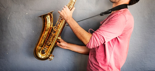 Musiker-saxophon-jazz-künstler-passions-konzept