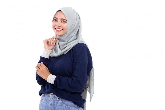 Muslimische asiatische frau isoliert