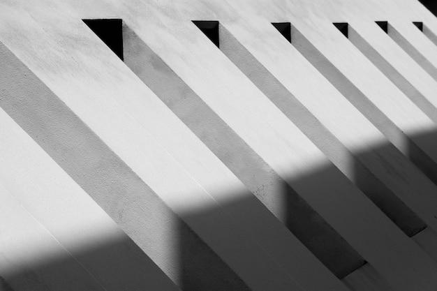 Muster der belüftung am modernen konkreten gebäude