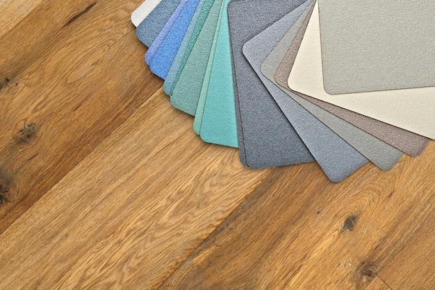 Muster der texturierten und farbigen stoffe der kollektion
