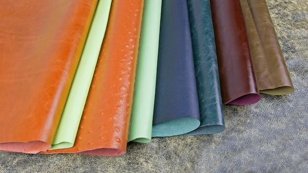 Muster von binde- und dekorationsmaterialien im presswerkhaus
