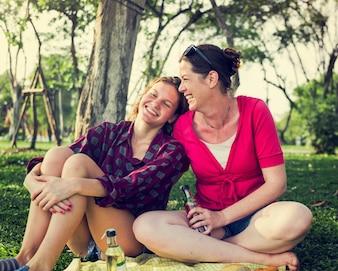 Rote Fahnen beim Dating einer einzelnen Mutter