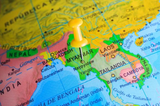 Myanmar steckte auf einer karte von asien fest
