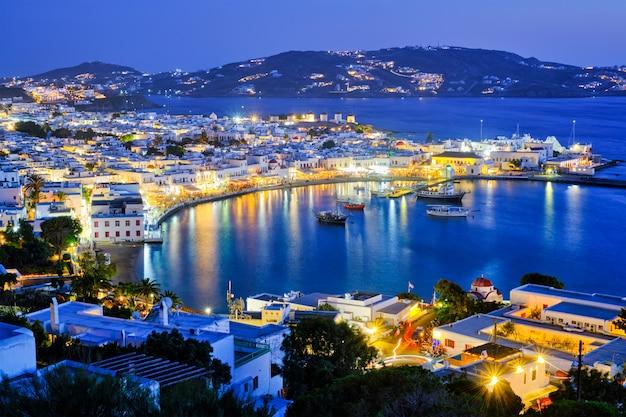 Mykonos inselhafen mit booten, kykladen, griechenland