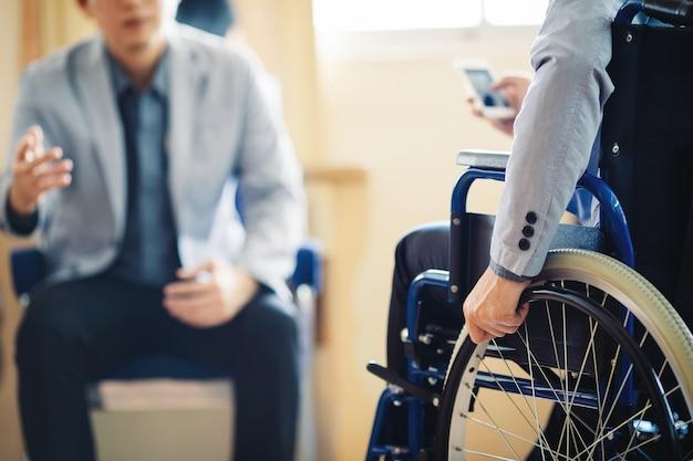 Nach autounfall und rehabilitation