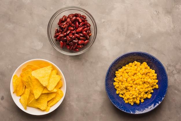 Nachochips, bohnen und mais