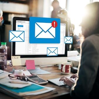 Nachricht online-chat-social-text-konzept