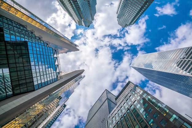 Nachschlagen von schuss der innenstadt von finanzviertel mit wolkenkratzern in toronto, kanada.