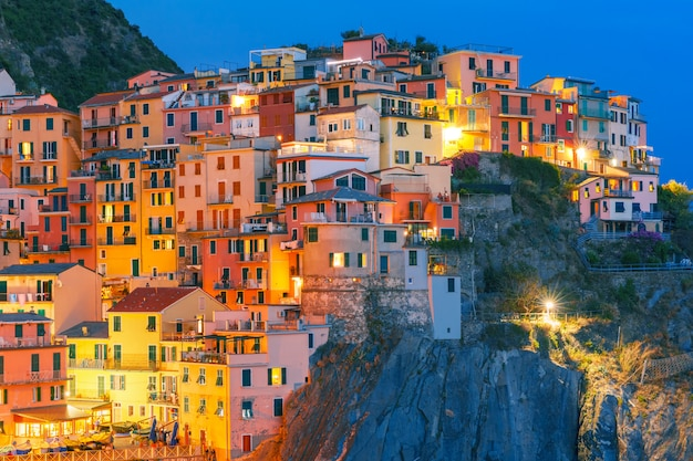 Nacht manarola, cinque terre, ligurien, italien