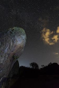 Nachtfotografie im naturgebiet von barruecos. extremadura.