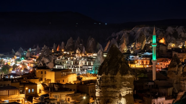 Nachtlandschaft in goreme, cappadocia, die türkei.