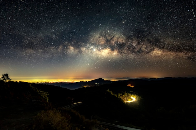 Nachtszene milchstraße