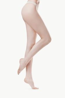 Nackte weibliche beine