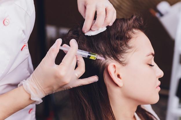 Nadelmesotherapie im schönheitssalon
