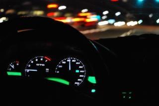 Nächtliche geschwindigkeitsüberschreitung