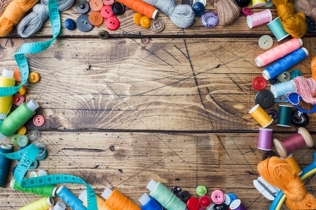 Nähwerkzeug für handarbeiten, farbige fäden zentimeter