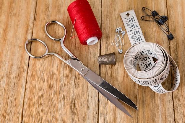 Nähwerkzeuge und nähzeug