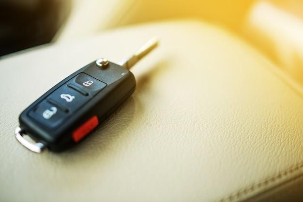 Nagelneue autoschlüssel