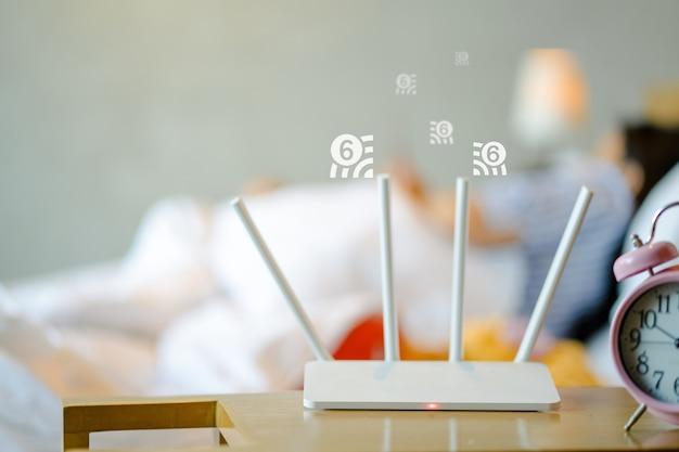 Nahaufnahme am wlan-router mit wlan 6-technologie