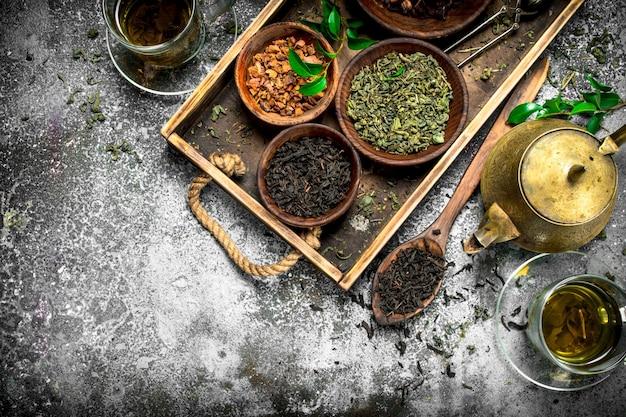 Nahaufnahme auf duftenden verschiedenen chinesischen tee
