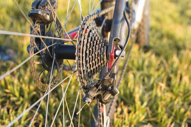 Nahaufnahme auf einem fahrrad hinten, mountain bike protector