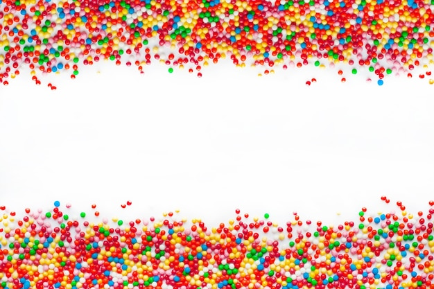 Nahaufnahme auf farbigen zuckerkugeln isoliert