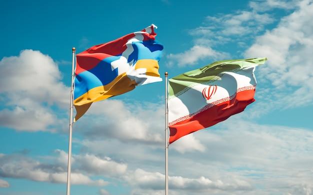 Nahaufnahme auf flaggen des iran und von artsakh