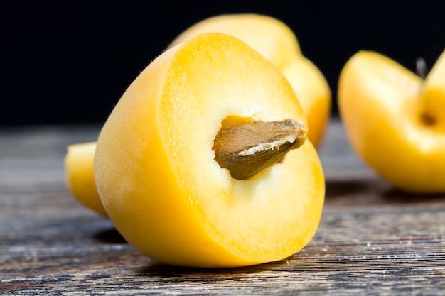 Nahaufnahme auf gelber aprikose