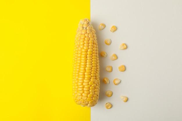 Nahaufnahme auf mais und samen