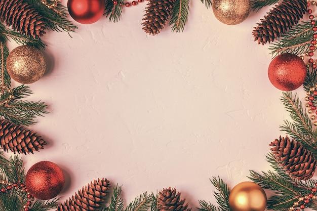 Nahaufnahme auf verschiedenen weihnachtsdekorationen