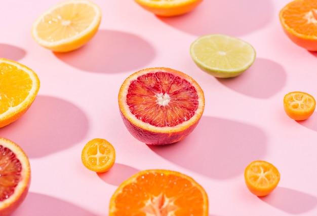 Nahaufnahme auswahl an frischen früchten