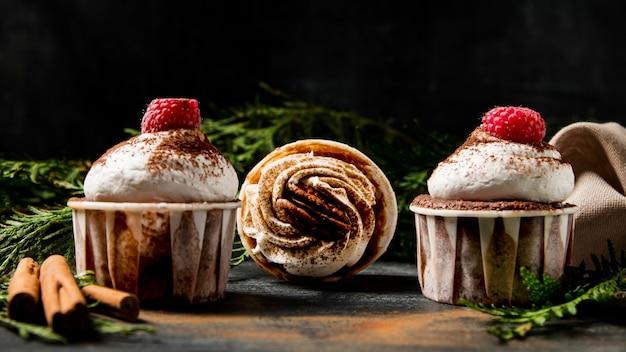 Nahaufnahme cupcakes mit zimt
