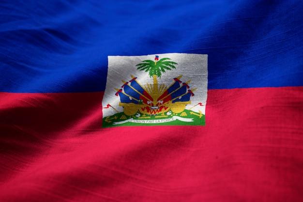 Nahaufnahme der gekräuselten haiti-flagge, haiti-flagge, die im wind durchbrennt