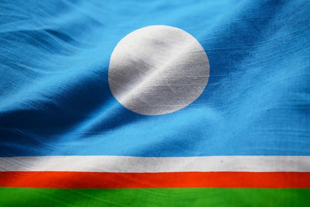 Nahaufnahme der gekräuselten sakha-republik-flagge, sakha-republik-flagge, die im wind durchbrennt