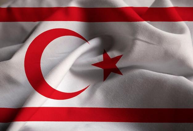 Nahaufnahme der gekräuselten türkischen republik von nordzypern-flagge