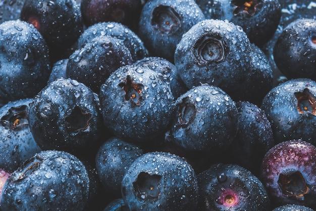 Nahaufnahme der köstlichen und saftigen blaubeeren