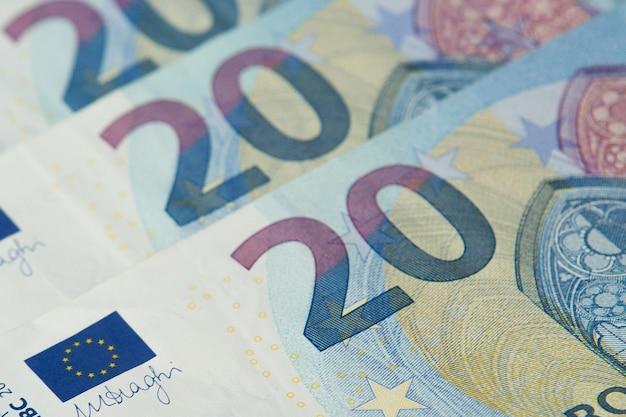 Nahaufnahme der neuen banknote von zwanzig euro